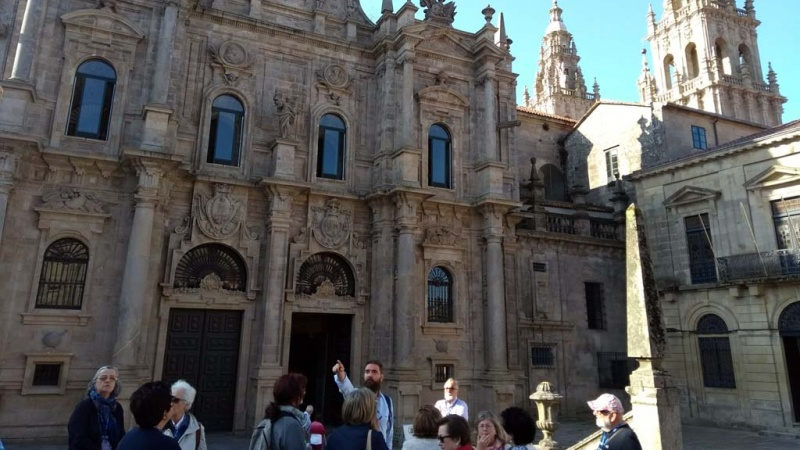 Detalle de uno de los recorridos de de Cultur Viajes por Santiago de Compostela